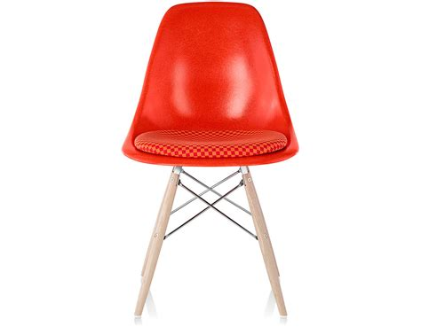 eames 174 dowel base side chair with seat pad hivemodern