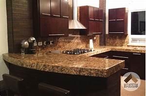 Cocina de madera estilo moderno con cubierta de granito #