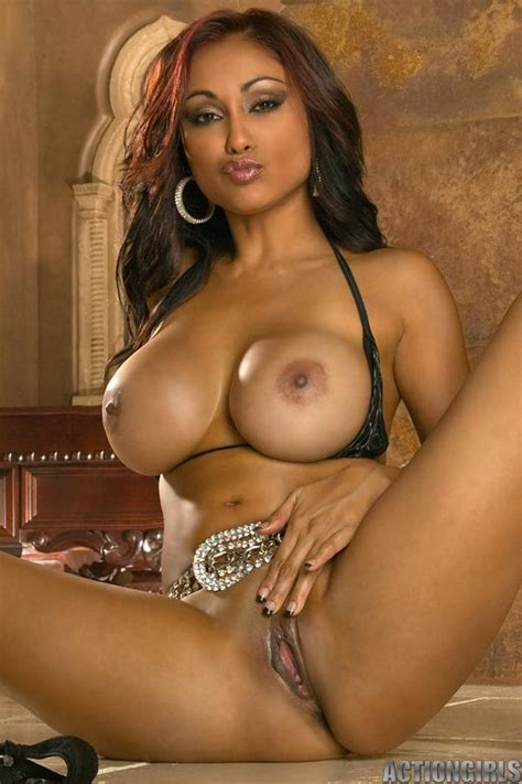 Indian Babe Priya Rai Strips Off Her Sexy Black Bikini And