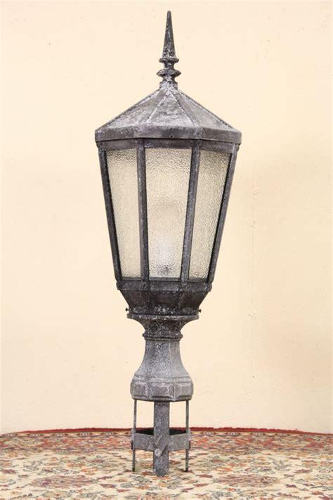 sold  york city salvage  antique street light lamp  lantern socket harp gallery