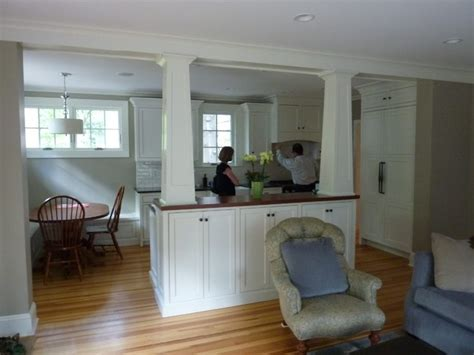 Separating The Family Room & Kitchen Traditional