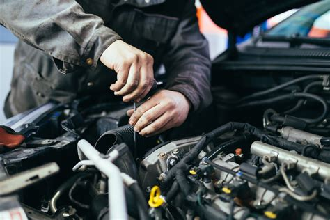 What's the difference between a car mechanic and an auto ...