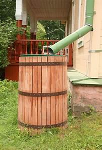 Bac Récupérateur D Eau De Pluie : un r cup rateur d eau de pluie pour arroser votre jardin ~ Premium-room.com Idées de Décoration