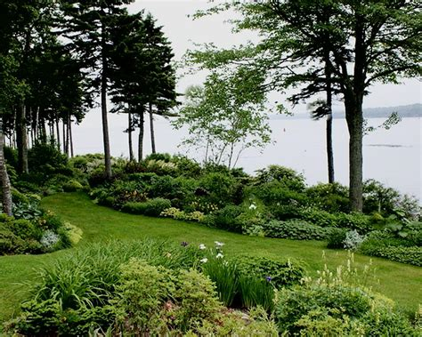 informal english garden  formal french garden