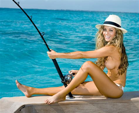 Sexy Girls And Babes With Guns And Fishing Hunting