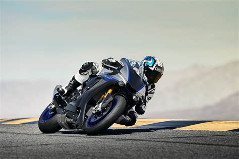 Yamaha R1m 4k Wallpapers by 2018 Yamaha Yzf R1m Racing Experience Track Dates Rescogs