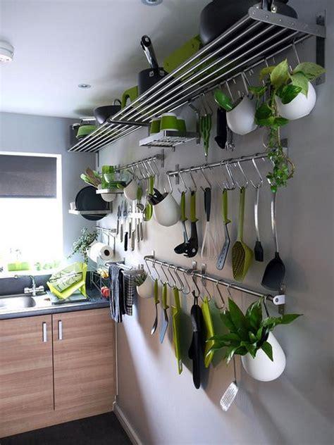 barre de cuisine ikea 18 idées pour gagner des rangements supplémentaires dans