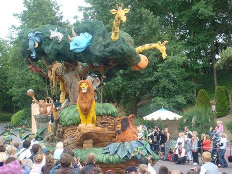 lion king float   parade photo