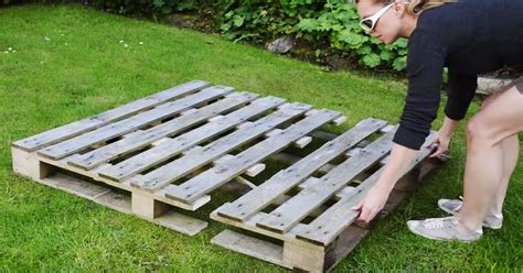how to build a better strawberry pallet planter handy diy