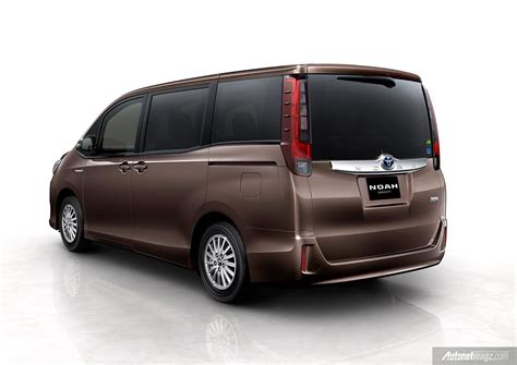 Gambar Mobil Toyota Nav1 by Toyota Noah Hybrid 2014 Autonetmagz Review Mobil Dan