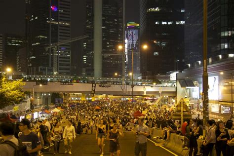 chinese media floods mainland news  anti occupy hong kong coverage
