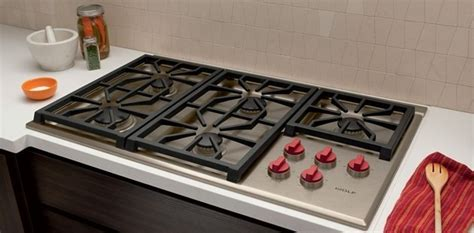 wolf cgps  professional gas cooktop  burners