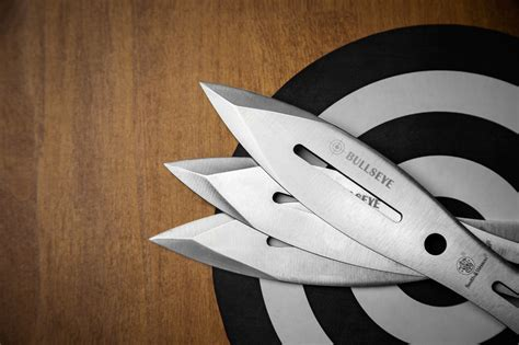 3 Reasons Throwing Knives Rock The Knife Blog