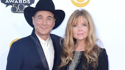 clint black and hartman hear clint black lisa hartman black s you still get to me rolling stone