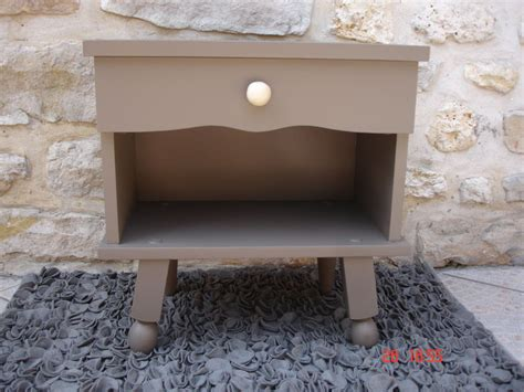bureau couleur taupe table de chevet couleur taupe atelier darblay le