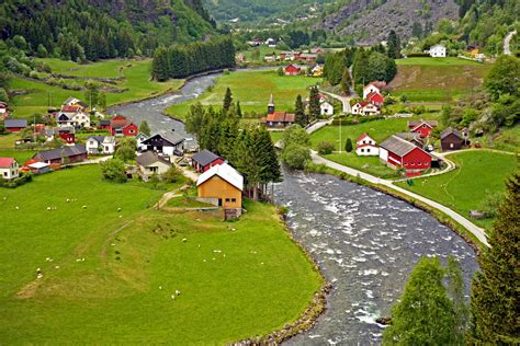 The Spectacular Flam Valley Norway The Backpackers