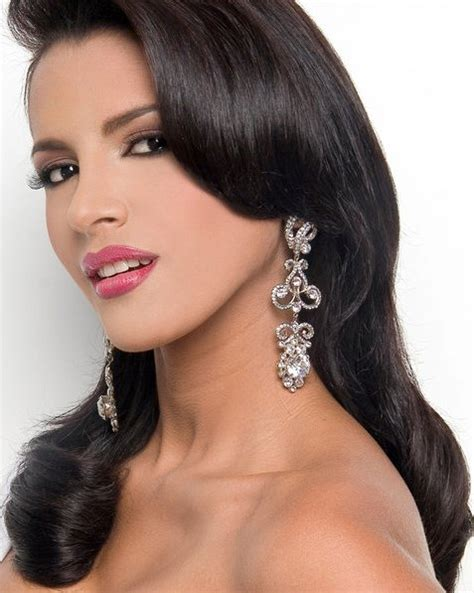 Ivian Sarcos (venezuela)  Miss World 2011 (24 Photos. Grey Living Room Beige Couch. Interior Design Living Room Cabinets. Living Room Ideas With Red. Living Room Bedroom Designs. How To Decorate A Living Room Simply. Living Room Ideas With Leather Sectional. Wall Decor Ideas For Living Room Diy. Living Room Wall Plants