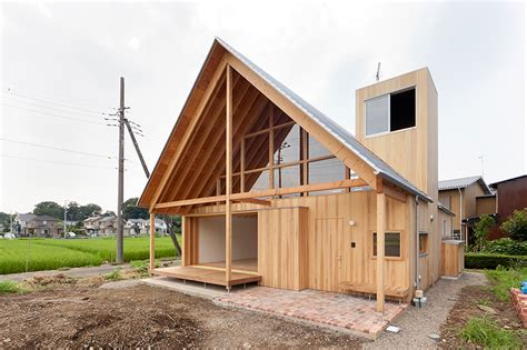 Gable Roof : Tailored Design Lab Crafts A Gabled Timber Home In Japan