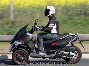 Permis Scooter 500 : piaggio mp3 400 lt sport vs gilera fuoco 500 2011 scooter station ~ Medecine-chirurgie-esthetiques.com Avis de Voitures