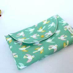protege carnet de sante personnalisable avec rabat ferme With tapis de yoga avec canapé tissu enduit