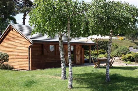 les chalets du lac d aydat cing 224 cot 233 d aydat les chalets du lac volcans vacances