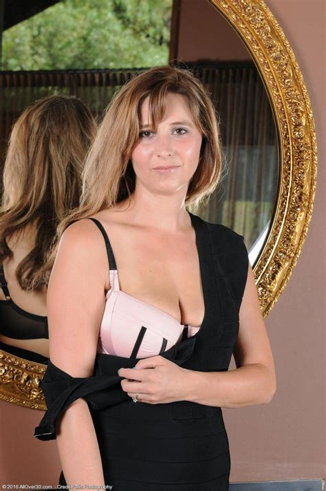 Alice Chambers Hot Wife Stripping