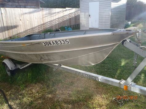 Aluminum Boat Trailers Vancouver by 14 Ravitted Aluminum Boat With Motor And Trailer