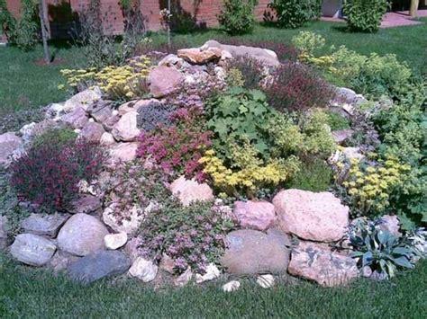 Garden Designs. Rockery Designs For Small Gardens: Best 25