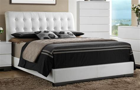 white contemporary  piece queen bedroom set avery rc