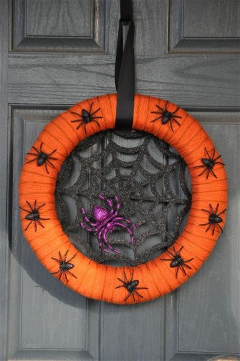 cool halloween wreaths   space digsdigs