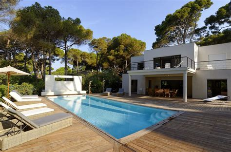 villa et maison de charmant location villa piscine couverte chauffee 3 s location de villas et maisons de