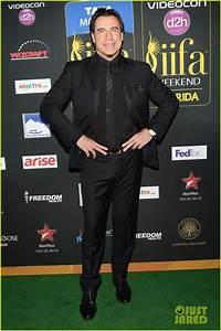 Full Sized Photo Of Priyanka Chopra Kevin Spacey Iifa