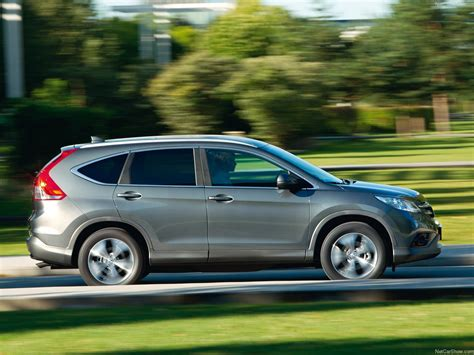 Honda CR-V (2013) - picture 35 of 91 - 1280x960