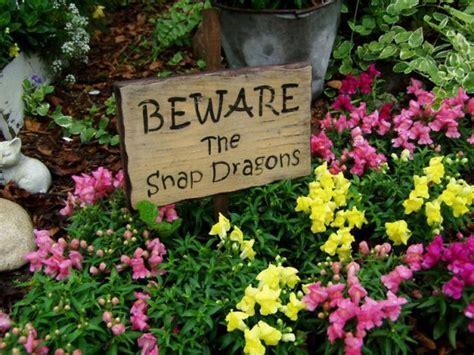 Make a fun Flea Market garden sign!   Flea Market Gardening
