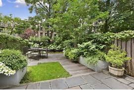 26 Beautiful Townhouse Courtyard Garden Designs DigsDigs For Relaxing Home Awesome Small Courtyards Design For Small Homes Wall Design Modern Small House Decorating With Garden Courtyard Home Architects StudioMAS Architects Urban Designers