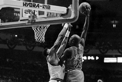 Vintage Gear Mj Posterizes Patrick Ewing In Air Jordan 6