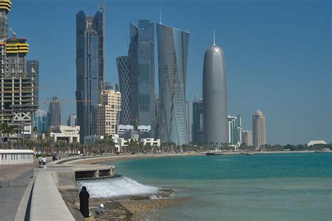 qatar construction search  pictures