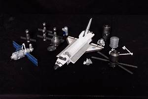1:100 Scale Model of International Space Station (ISS) on ...