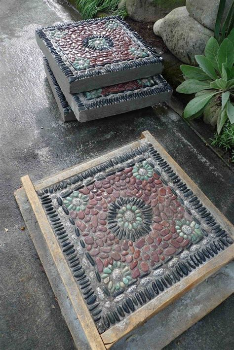 pebble tile mosaics how to make pebble mosaic stepping stones diy projects