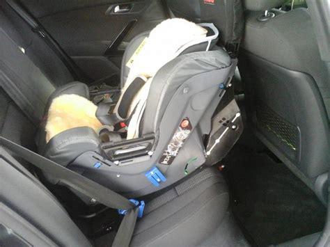 comment mettre un siege bebe dans la voiture avis siège auto conseils d 39 achat peugeot 508 forum