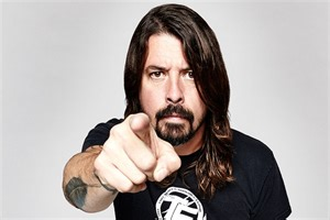 held fan 4 lessons according to dave grohl cultured vultures