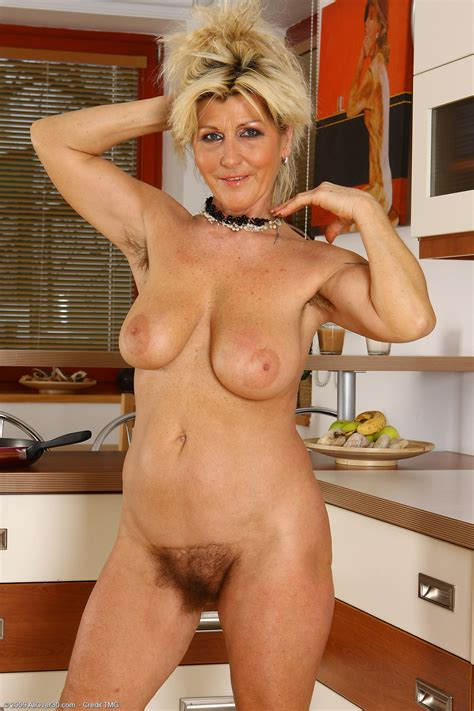 52 Year Old Berna Exclusive Milf Pictures From