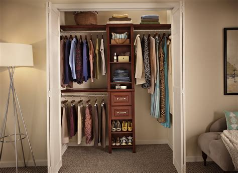 How To Organize A Walk In Closet With Photos — The Decoras