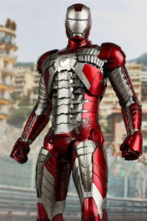 iron man  mark  figurines hot toys iron man iron