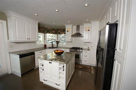 candlelight kitchen cabinets custom kitchen cabinets calgary evolve kitchens 1981
