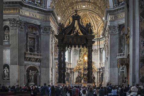 Baldacchino Di San Pietro Bernini by Servizio Di Accoglienza Ufficiale Della Basilica Di San
