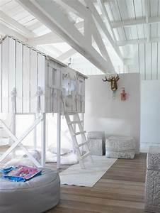 Lit Cabane Mezzanine : le lit cabane fille id es en images ~ Melissatoandfro.com Idées de Décoration