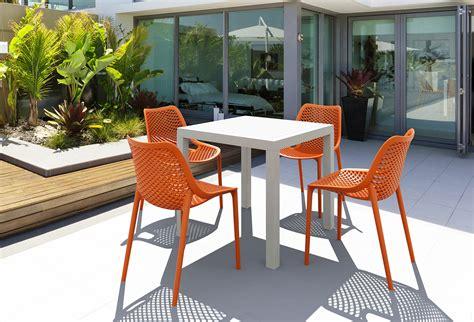 peindre chaise de jardin en plastique diy comment peindre votre salon de jardin en plastique
