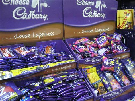 gambar syurga coklat cik azizah tengok tu bersusun cadbury