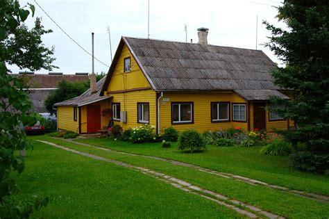 Home Design Yellow : Modern Farmhouse Designs